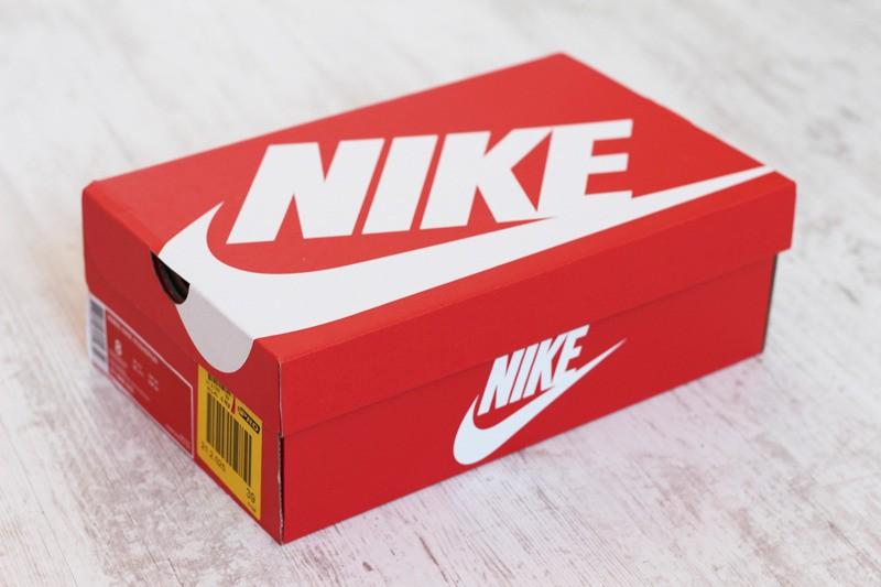 67488dd08a6 100 procent origineel! Echte sneakers herkennen - Purchaze