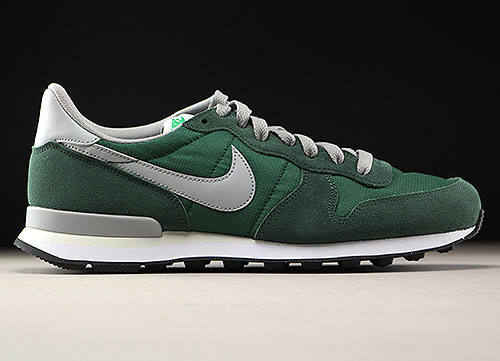 nike internationalist print wit