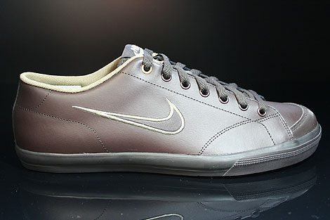 Nike Capri Black Tea White Khaki