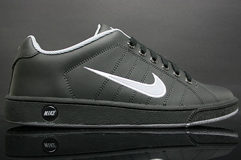 reputable site ec6f8 f03cd Nike Court Tradition 2 Black Grey